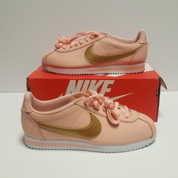 innovative design fcb68 d9710 Nike Classic Cortez Leather Women s Peach Orange